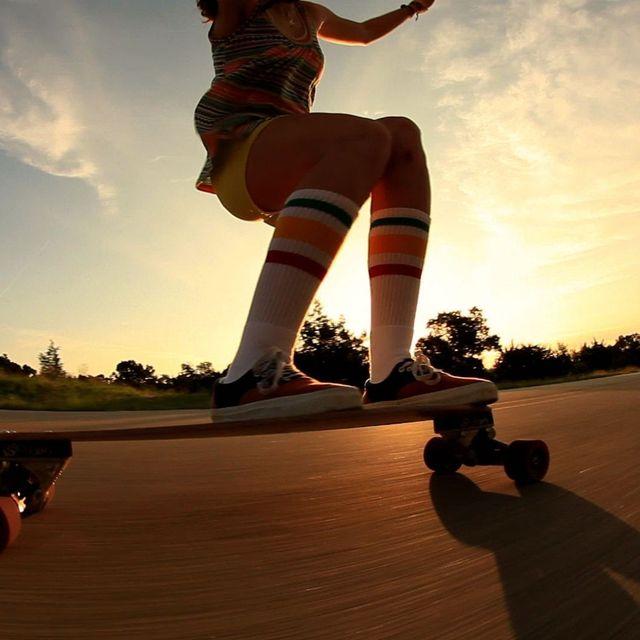 video: Derringer Mini Longboarding by mave