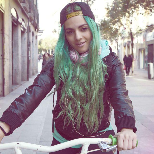 image: Cool hair, Cool bike by samyroad