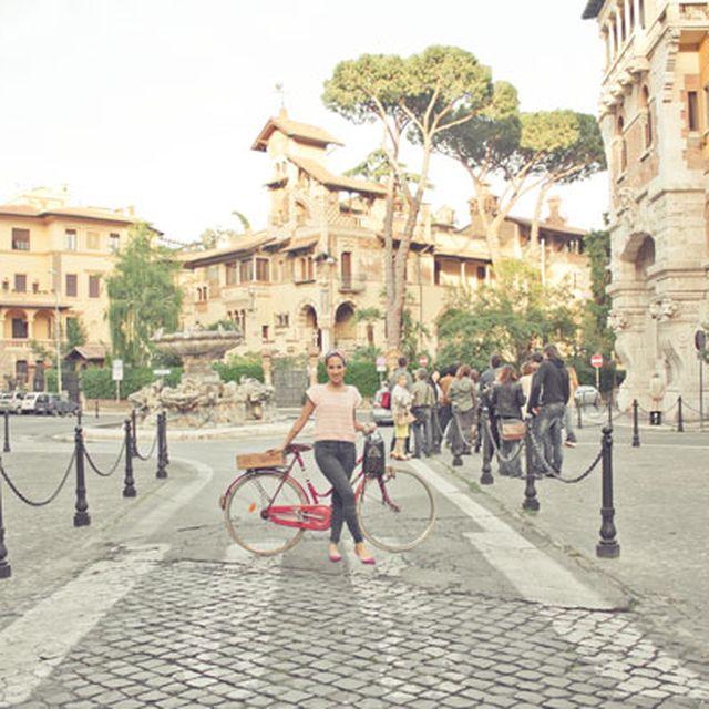 image: Moda en Roma con Mel Rose Place by ormenog