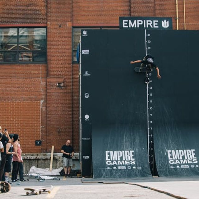 video: 'Wall of Death' Skateboarding by amped
