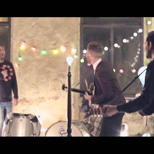 video: Eliza and the Bear - Upon The North by Abrahanes