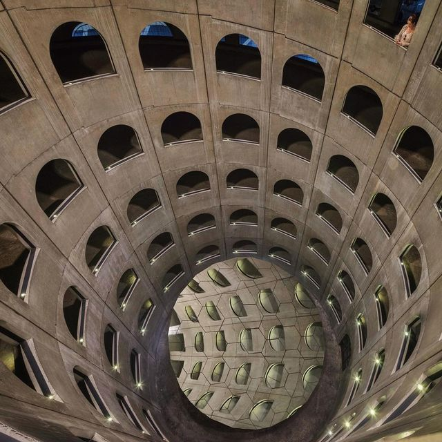 image: Spiraling Down by paulbrouns