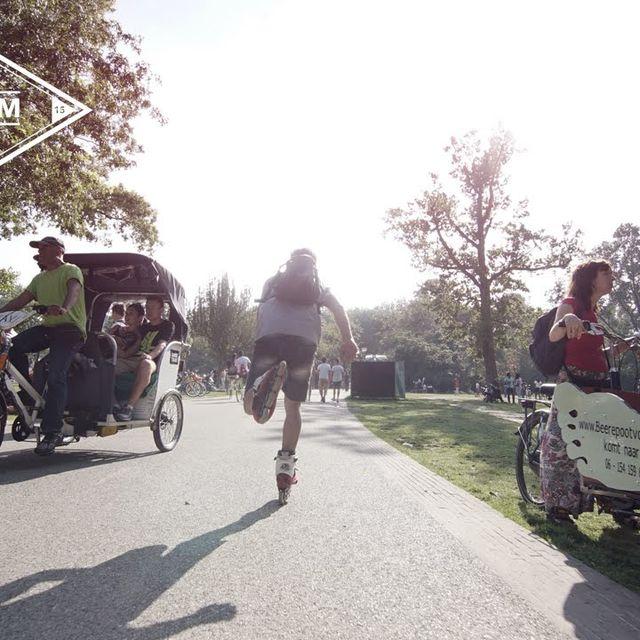 video: Rollerskaters in Amsterdam by kierin