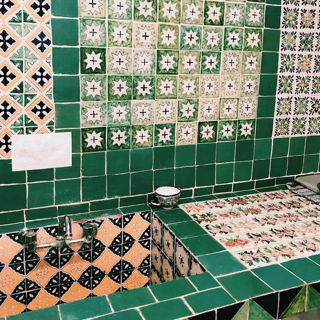 image: Shooting a story about Puebla all week for @airbnb , detail from Talavera tiles from 1824 ? by piariverola