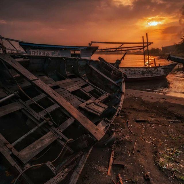 image: ®...⠀A SUNSET PHOTO BY | @aridiyanto.lsS E L E C T E D | @choi0811M E M B E R | @hubdirectory⠀F A M I L Y H U B | @greatshots_world_communityT A G U S | #sunset_greatshotsF O L L O W S U S | @sunset_greatshots... by sunsetsuperstar