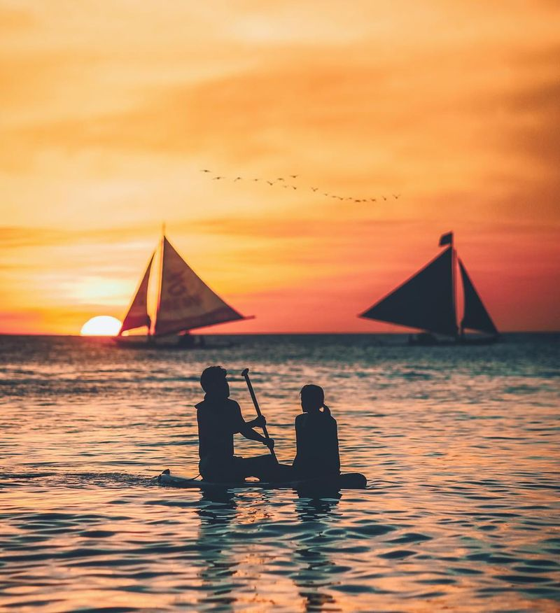 image: Just enjoying sunset at the one of the most beautiful islands in Philippines - Boracay Island ⛵️✨Thank you @pondsmenid for making our trip to Boracay a very memorable one. #TripLelakiMasaKini by iwwm