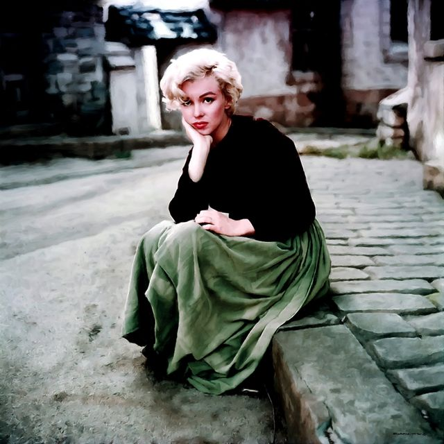 image: Marilyn Monroe Portrait by gabrielttoro