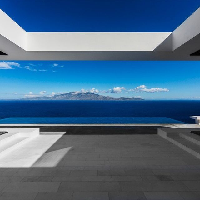 image: house T by olivier dwek overlooks the idyllic greek ... by placesandspaces
