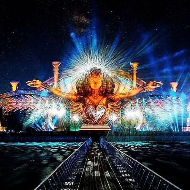 image: #edclv2017#edc#vegas#mainstage#awesome#vibe#vibeon#festival#incredible#love#music#electronicmusicculture#musiclife#electronicmusic#edmfamily#dance#edmlovers#worldedm#edmlife#liveyourlife#lol by electronicmusicculture