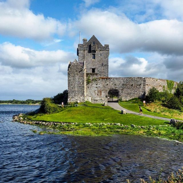 image: ??IRELAND GIVEAWAY ALERT! ?? I love Ireland with all its castles and legends and pretty green landscapes. ? On my most recent trip there, I traveled around with Shamrocker Adventures, a company that hires Irish guides and helps people see Ireland on a... by dangerousbiz