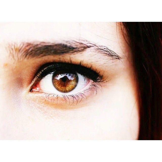 image: La que deca que tena los ojos feos. by newagirene