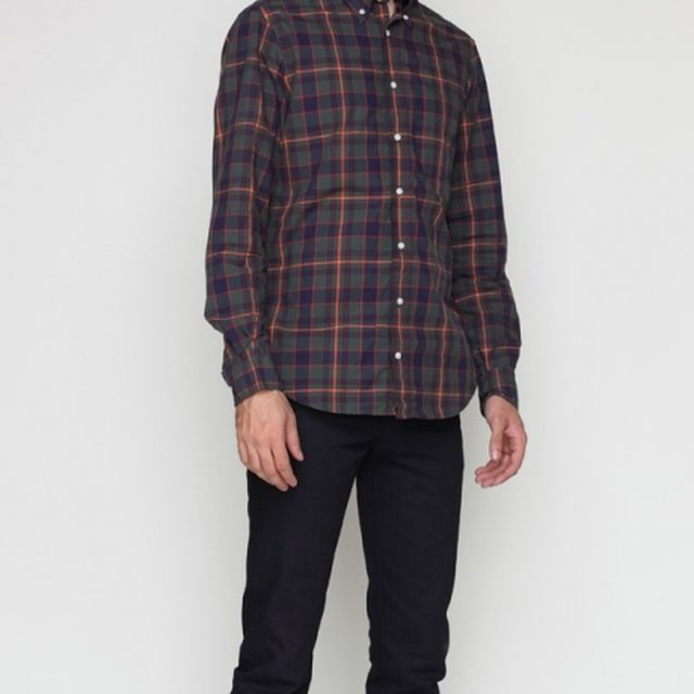 image: PLAID BUTTON DOWN by dieguete