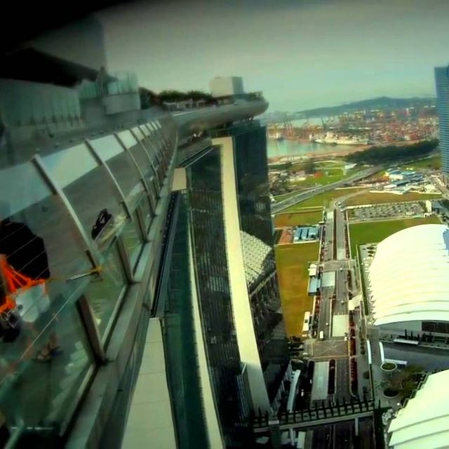 video: Marina Bay Sands Skypark in Singapore by dr-drake