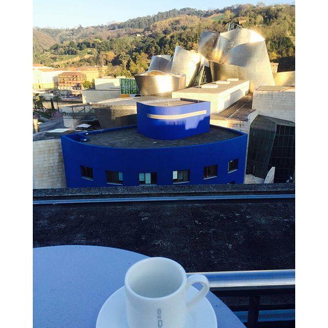 image: Desayunar en la terraza del hotel @DomineBilbao con est by nani_arenas