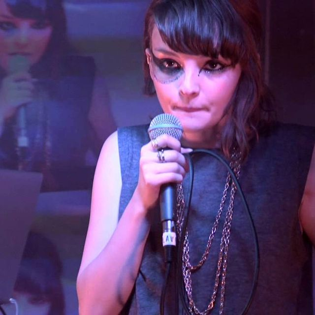 video: CHVRCHES // The Mother We Share // Live by somewhereiwouldliketolive