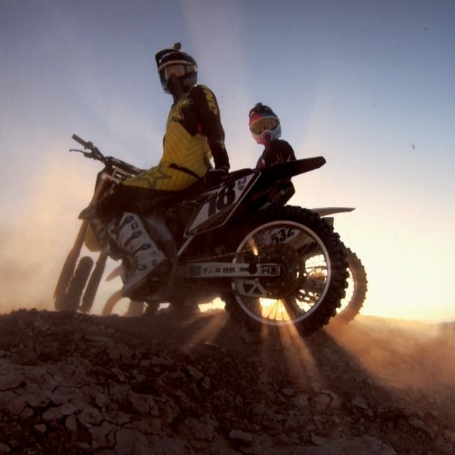 video: Desert Lines with Ronnie Renner and Davi Millsaps by gonzalobandeira