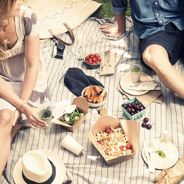 image: Sunday picnic by aaragues