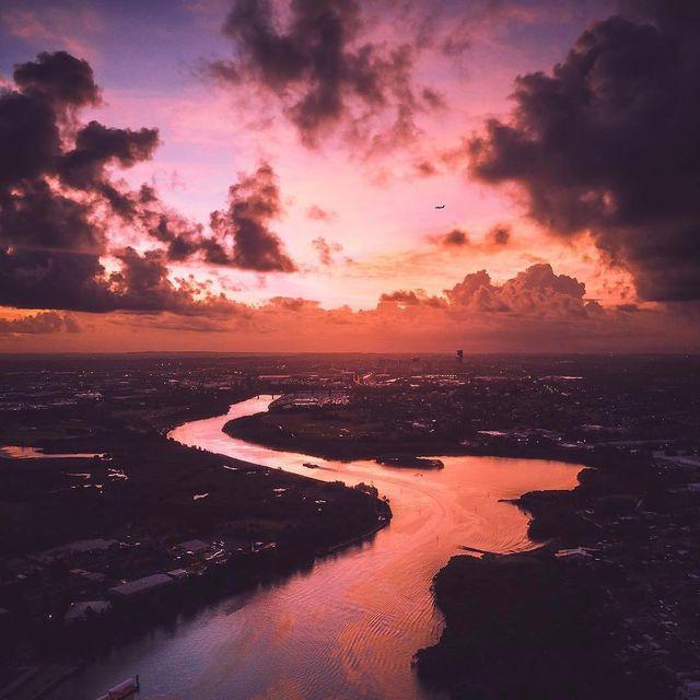 image: Sunset captured...??????? @pat_kay--Follow @whatasunset-To be featured please send us a DM or: ????#whatasunset--#sunsets #sunset_madness #instagood #photooftheday #nature #sun #sky #sunset #clouds #landscape #sunshine #sunny #sunrise #naturehip by whatasunset1