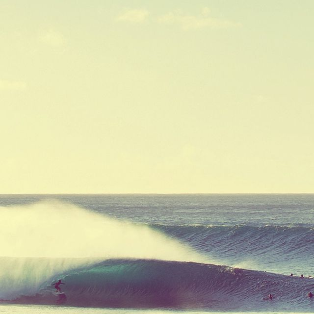 image: SURFING PIPELINE by mikilator
