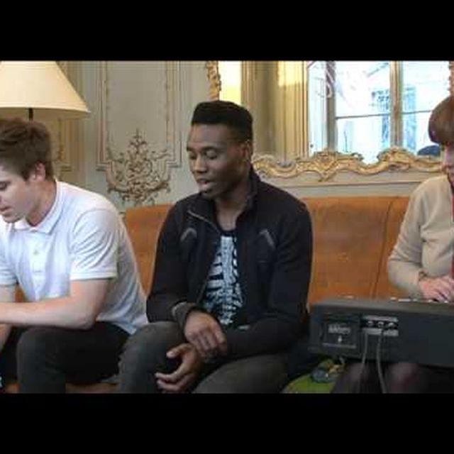video: Metronomy - Corinne (acoustic) by aysa9