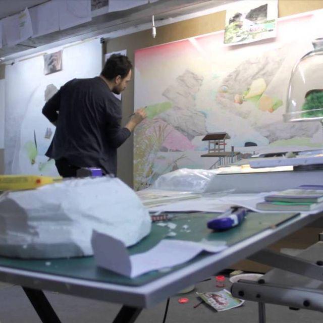 video: En el Taller de Santiago Talavera by lanewgallery