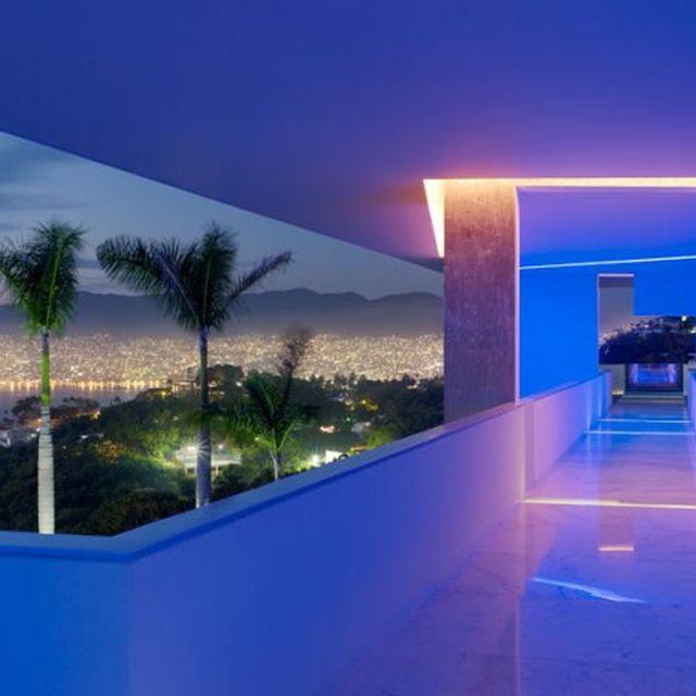 image: The Encanto Hotel – Acapulco by goyette