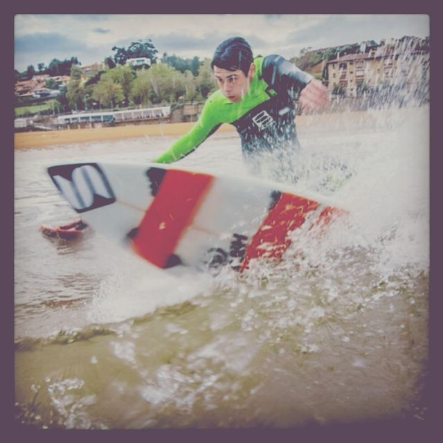 image: Surfing luanco by inakijay