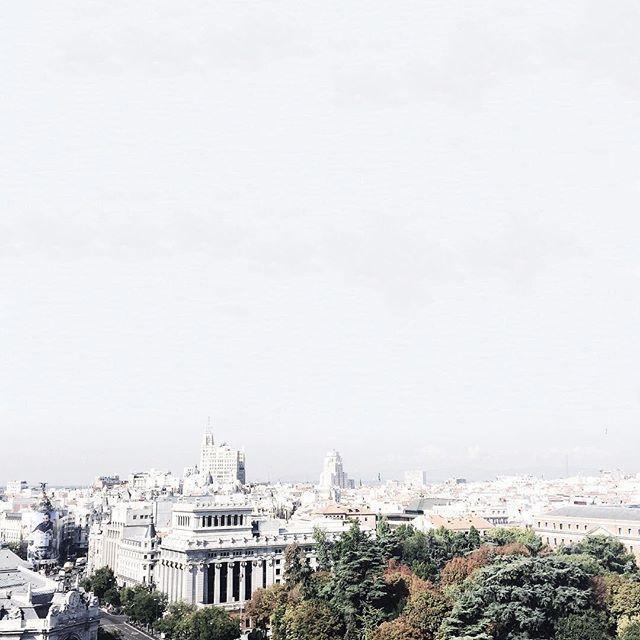image: Hoy he tocado el cielo contaminado de Madrid   #vsco #v by nacho_limpo