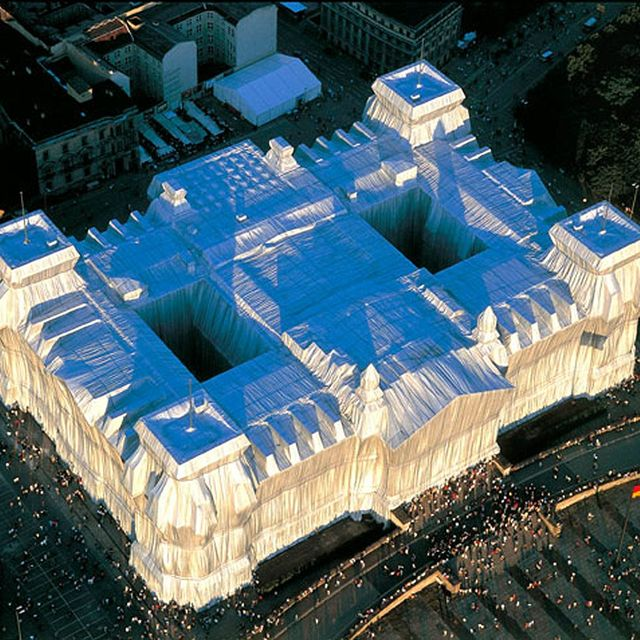 image: Christo_Reichstag_Wrapped_Berlijn_1971-95 by marben