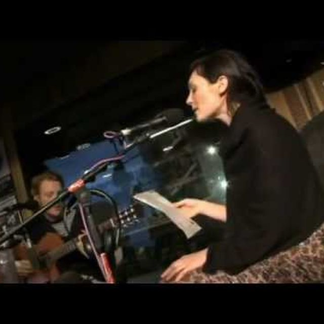 video: Sarah Blasko - Hey Ya! (OutKast cover) by pablocurto