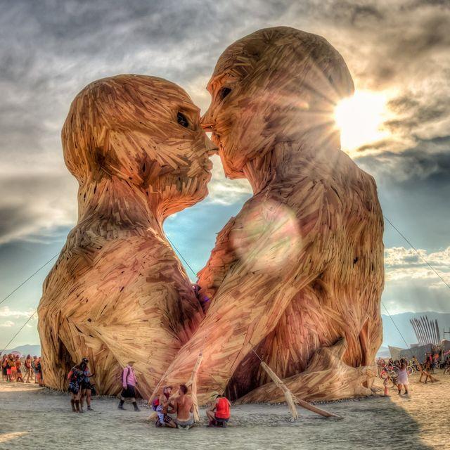 video: Burning Man 2014: Caravansary by estad