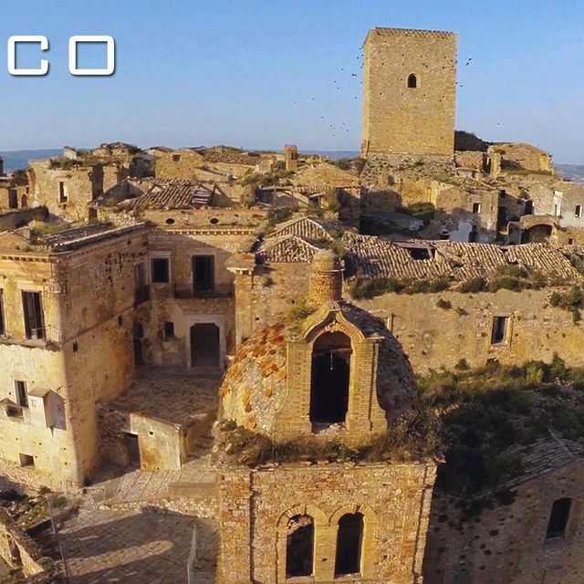 video: Craco, Italy by wavesoftimeandspace