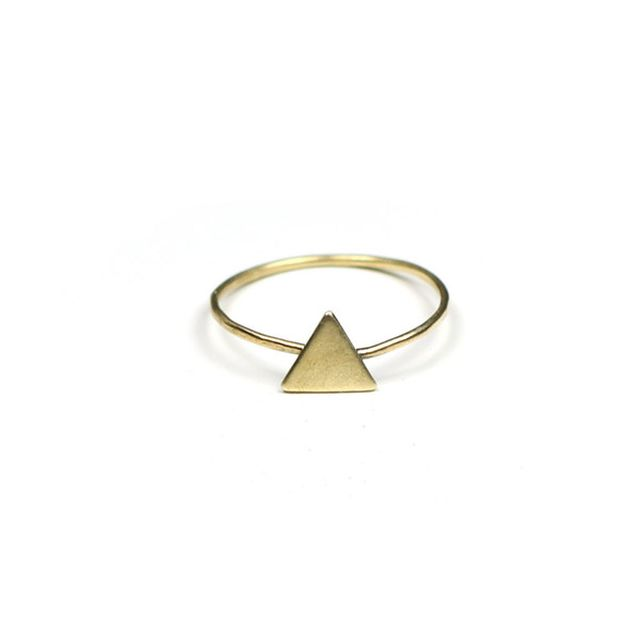 image: alimonada – Triangle ring by nanalogia