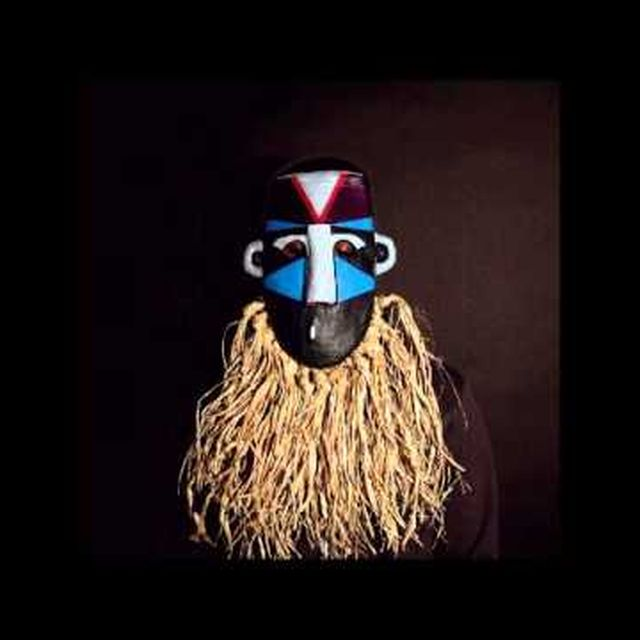 video: SBTRKT - Hold On (feat. Sampha) by casnicolas