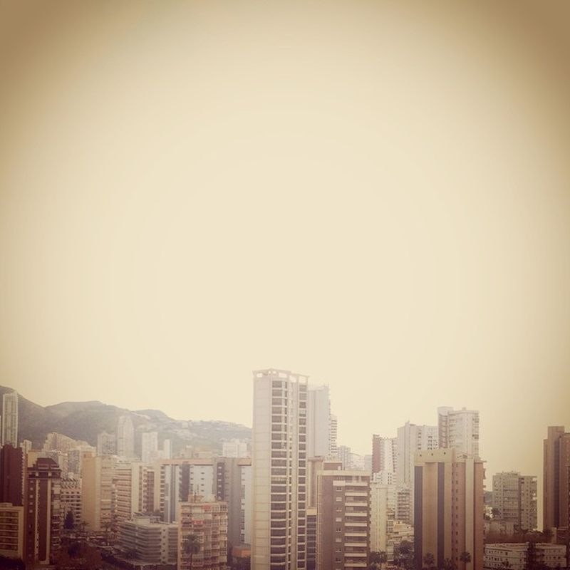 image: ...montaas de edificios o edificios amontonados... by laura_agusti