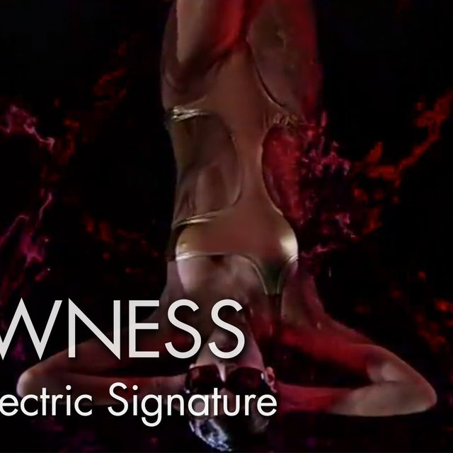 video: TOD'S ELECTRIC SIGNATURE by luciaode
