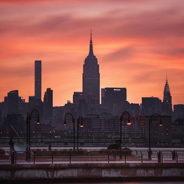 image: Rising Sunrise by mindzeye