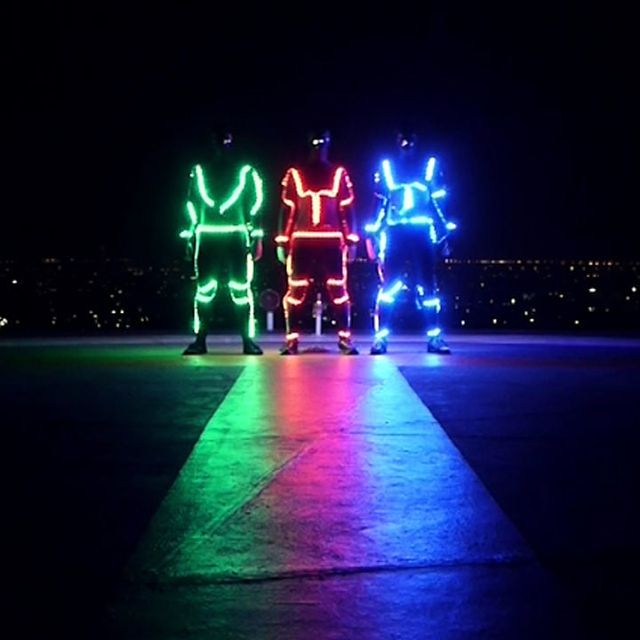 video: Light Emitting Dudes by jack-sparrow