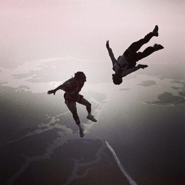 image: Free falling by lucialdama