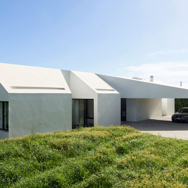 image: M-arquitectos angles. Rustic House by mundanebeige