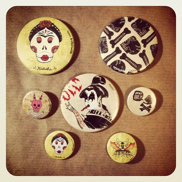 image: CHAPAS / PINS BY MAPYDH by mapydh