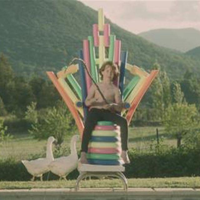 video: Julien Doré feat. Micky Green - Chou Wasabi by sanchezcasto