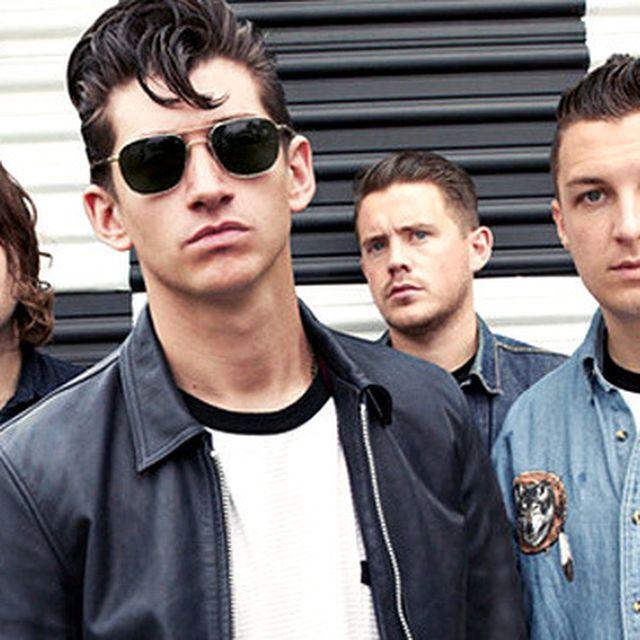 "image: Arctic Monkeys: versión acústica de ""Do I Wanna Know?"" by crazyminds"