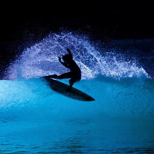 video: Night Surfing Looks Even Better with Light-Up Waves by neverdiscrete