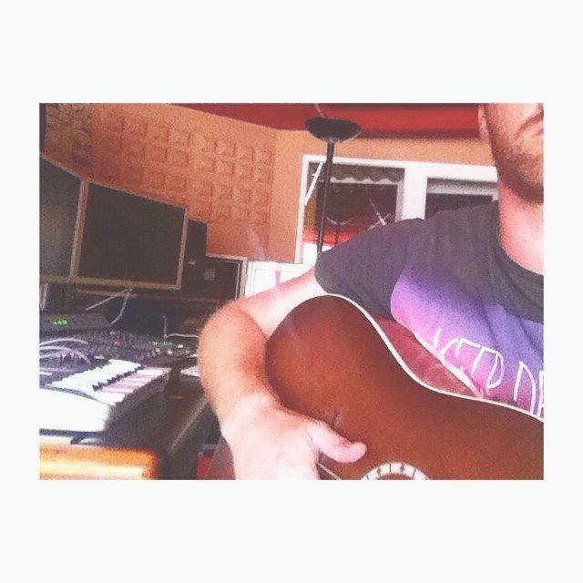 image: Keep Dreamin' #recordingdemos @estudios_54 @misscaffein by tonicaffeina