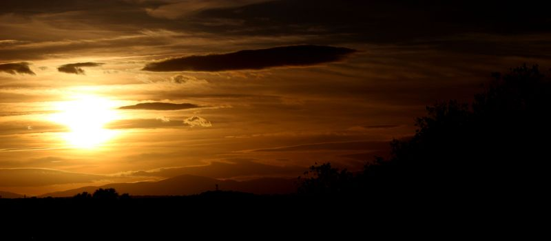 image: Puesta de sol en Madrid by anaelisa