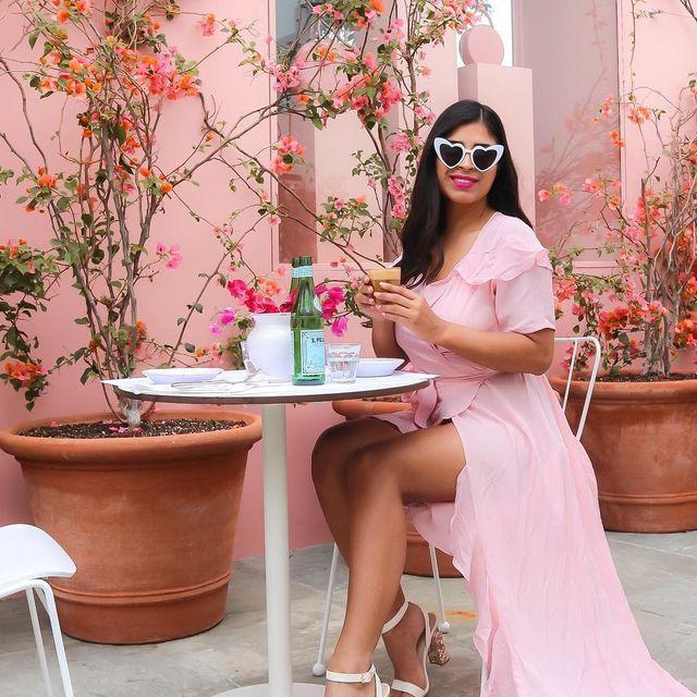 image: Coffe o' clock in the cuttest place in LA ? Cafecito en un lugar nuevo que descubri en Los Ángeles ✨ Ya vieron los premios de esta semana están súper lindos ? by alicia_sf