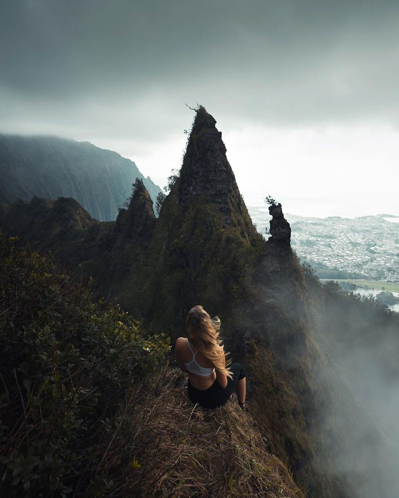 image: Going to be going back to visit Oahu later this month. Looking forward to being in the clouds again:) Also, Can you see the little ropes we used on that gnarly ridge ? by josiahwg