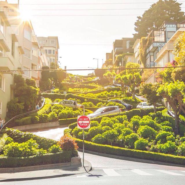 image: Love this spot of SFO! ?....#sanfrancisco  #sanfranciscopulse #beautifuldestinations #earthpix #greatesttravels #tlpicks #usaprimeshot #ig_color #ig_sanfrancisco #california #passionpassport #visitcalifornia #agameoftones #travel #travelawesome #trave by majolophoto