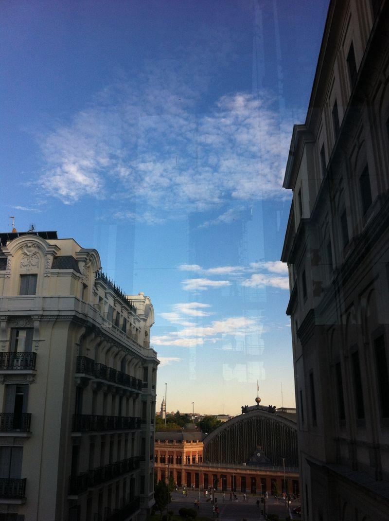 image: Blue sky, by emewarp